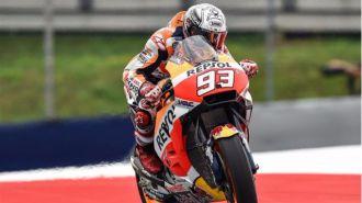 Un valiente Marc Márquez recupera el liderato de MotoGP bajo la lluvia
