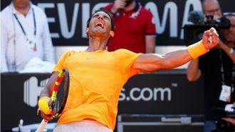 Nadal consigue con la lluvia vencer en Roma y volver al número 1