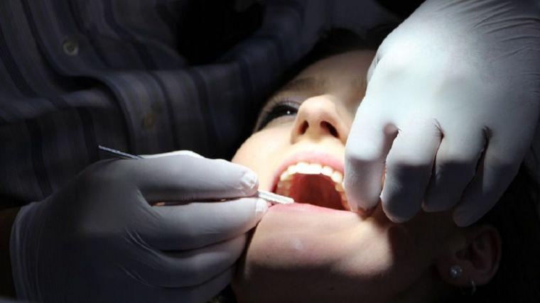 Piensa en tu salud y busca un buen dentista