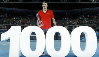 Federer entra en el club de las mil victorias