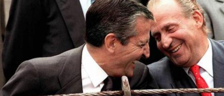 La alargada sombra de Suarez que persigue a Rajoy