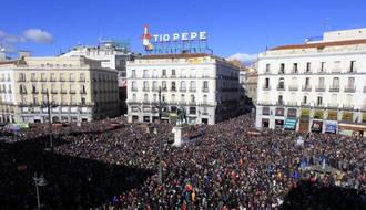Más de cien mil personas apoyan en Madrid el cambio de Podemos
