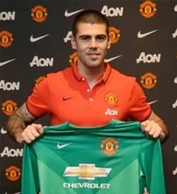 Víctor Valdés ficha por el Manchester United