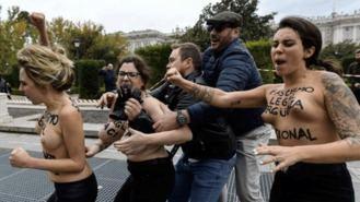 Activistas de Femen ante el juez por una querella de Falange