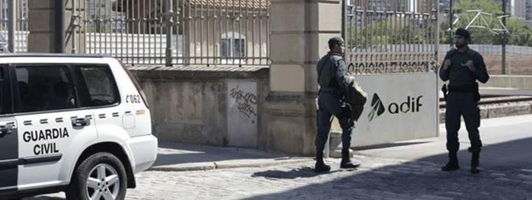 14 empleados de Adif detenidos por el sobrecoste del AVE a Barcelona