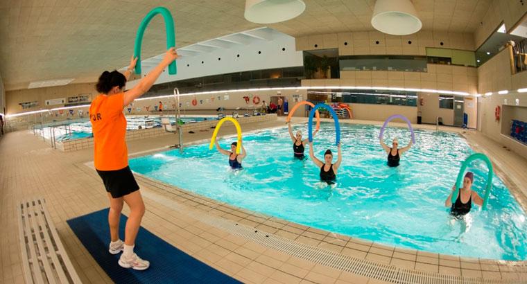 Inicio de las jornadas de puertas abiertas en la piscina for Piscina villanueva de la canada