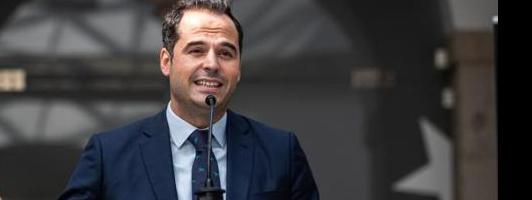 Aguado clama la ayuda de Sánchez para frenar la pandemia en Madrid