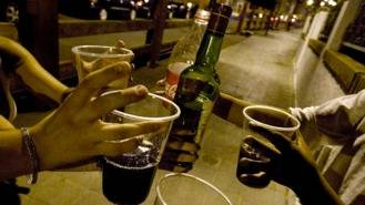 Alcohol, cocaína y cannabis, drogras más consumidas por los madrileños