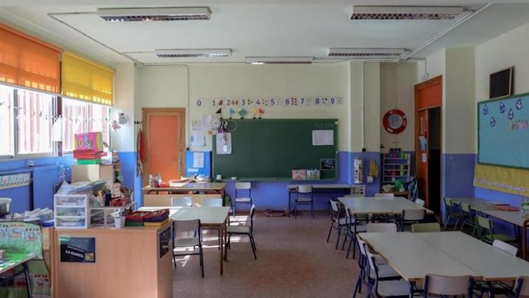 Las aulas no abrirán este curso salvo clases de refuerzo y padres trabajando