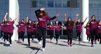 Flashmob de los alumnos del Miguel Catalán por la donación de sangre