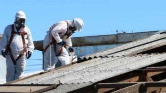 El Ayuntamiento identifica ya 81 actuaciones para retirar amianto de los colegios