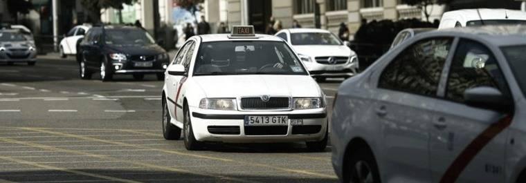 El 'apocalipsis' del taxi: Miiles de nuevas licencias de VTC operarán en Madrid