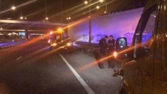 Muere arrollado por un camión en la M-45 un joven de 28 años
