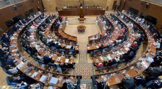 El PP tumba la comisión de investigación de las residencias gracias a la abstención de Vox