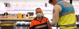 Madrid vacunará a 20.000 trabajadores esenciales con AstraZeneca este miércoles
