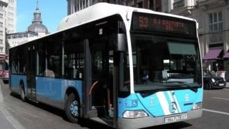 76 autobuses de la EMT quedan inmovilizados tras detectarse un bloqueo en la puerta delantera