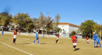 2.000 firmas contra el derribo del campo del Club Deportivo Aviación