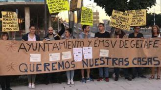 Nueva protesta de los afectados por los retrasos de las 147 viviendas de la EMSV