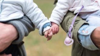 100.000 € para ayudas por nacimiento de hijo o adopción de menores de 3 años