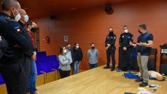 La Policía Local recibe formación de primeros auxilios a adultos, niños y lactantes