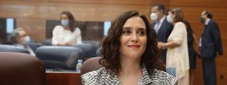Rifirrafe de Ayuso con Vox por la ley LGBI: 'Hacen daño a las causas porque las extreman'