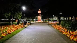 El alcalde ordena retirar 300 banderas de España en la Plaza Fernando VI