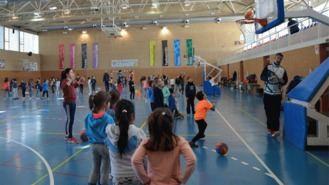 Más de medio millar de escolares participan en la Fiesta del Minibasket