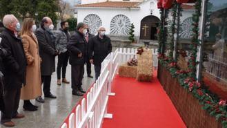 Inaugurado `El Belén de la ilusión´ en la plaza de España