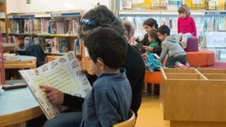 Los menores de edad, principales demandantes del servicio de préstamo de libros