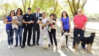 La policía adquiere un lector de microchip para identificación directa de perros y gatos