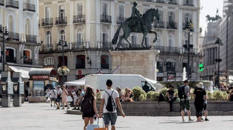 La Comunidad prevé que los bonos turísticos de 600 € estén en otoño