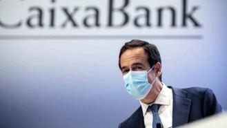 CaixaBank ganó 514 M hasta marzo sin contar el impacto de la fusión