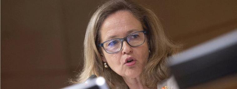 Calviño descarta una energética pública y avisa de medidas legales por el vaciado de embalses