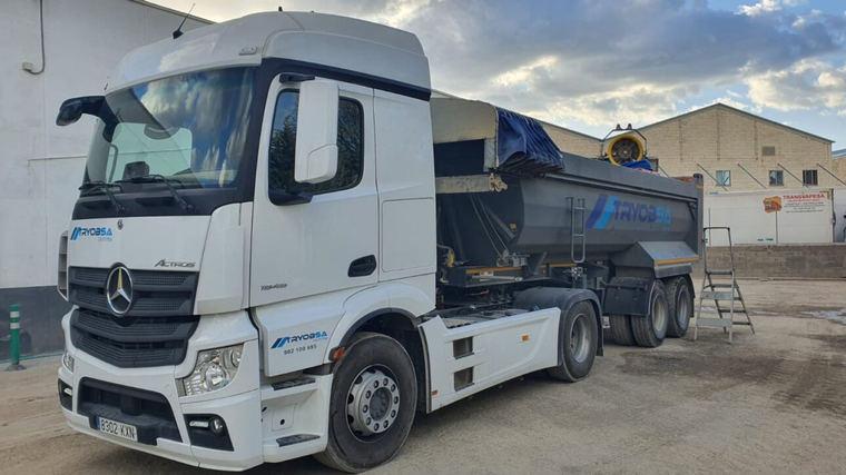 El Ayuntamiento contrata un camión con cañón por 11.700 € para desinfectar las calles