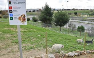 Abierto el primer parque canino de esparcimiento de la localidad