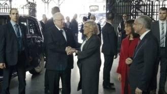 Carmena entrega las Llaves de Oro al presidente israelí con una protesta ante Cibeles