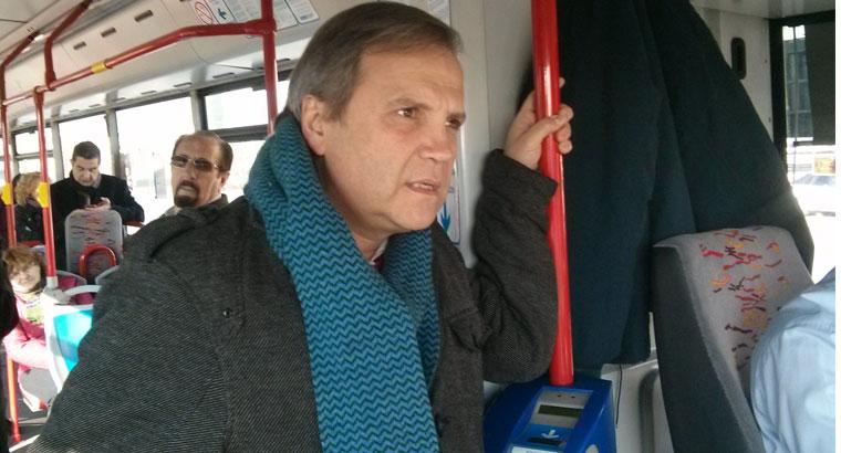"""Carmona denuncia el """"lamentable"""" estado de los carriles bus"""