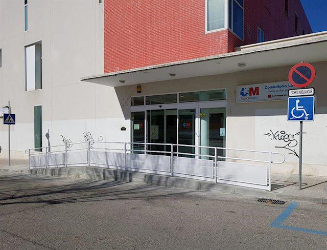 La Comunidad cierra 15 centros de salud y 37 consultorios locales
