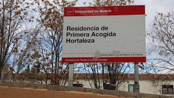 Empleados de centro de menores protestan por 'clima de violencia alrededor del de Hortaleza'