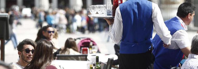 Vercinos de Centro exigen limitar los aforos de la hostelería y sus horarios
