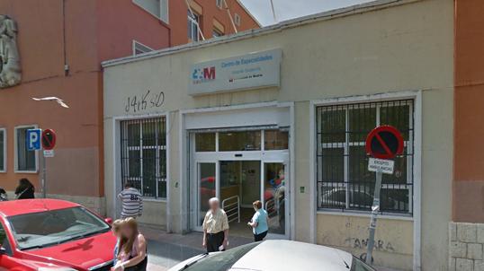 Suspendida la cacerolada al permanecer abierto el centro de salud Soldevilla de Vallecas