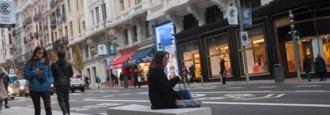 Madrid estudia la cesión de acera a los comercios en sus escaparates