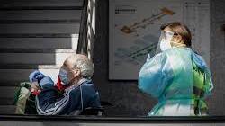 Los fallecidos por Covid-19 bajan por primera vez de cien en la región