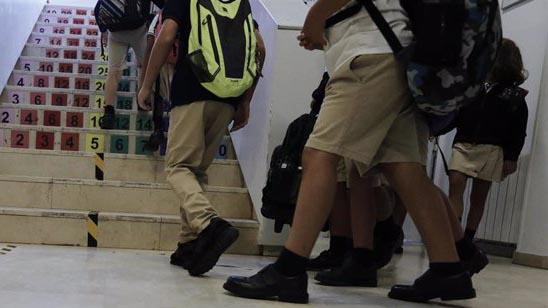 Las clases en cuarentena de los centros escolares madrileños se elevan a 168