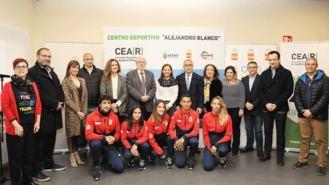 El COE pone en marcha un centro deportivo par la 'integración' de refugiados