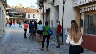 `Largas colas´en inmediaciones del Ayuntamiento para hacer trámites administrativos