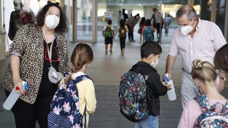 412 escolares madrileños vuelven a las aulas: La Comunidad habla de 6.000 profesores de refuerzo