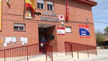 El Ayuntamiento repartirá los menús de las becas a través de cuatro colegios