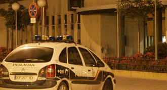 Una inspectora de policía muerde y araña a agentes municipales