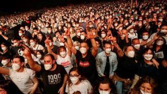 Los conciertos multitudinarios con mascarilla no son un peligro